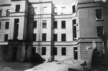 Одесса, во дворе восстанавливаемого здания техникума измерений