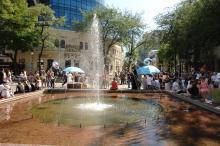 Одесса, на Греческой площади, фотограф Ю. Бойко, 2008 г.
