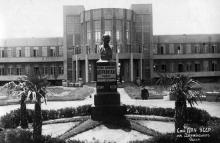 Одесса. Первоначальный памятник Ф.Э. Дзержинскому в санатории