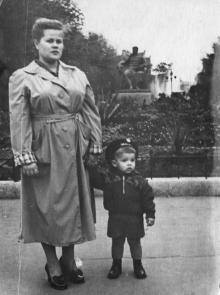 Одесса. Памятник Сталину на площади Советской Армии. 1956 г.