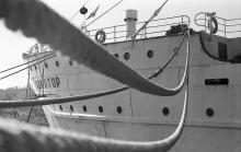 Одесса, судно «Экватор» в Отраде. Фотограф Юрий Бойко. 1972 г.