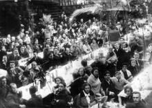Банкет работников цирка на манеже Одесского цирка по случаю 15-летия Советского цирка. 1933 г.