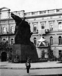 Одесса, пл. К. Маркса, памятник матросам-потемкинцам