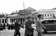 Одесса, на площади 1905 года. Фотограф Борис Владимирович Зозулевич. 1957 г.