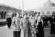 Одесса, на железнодорожном вокзале. 1959 г.