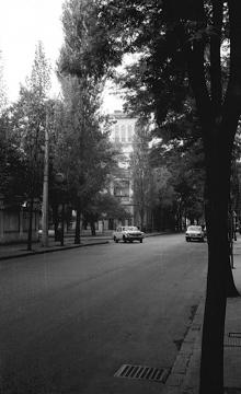 Одесса, ул. Свердлова (угол ул. Розы Люксембург). Фотограф Д.П. Климовский. Конец 1970-х годов