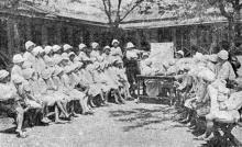 Одесса. Люстдорф. Занятия с детьми в саду. Фотография из сборника «Одесса-курорт» Одесского курортного управления, 1934 г.