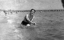Одесса. На пляже в Лузановке. 1955 г.