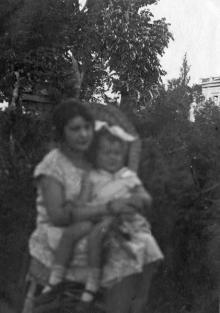 Одесса, на даче в Аркадии, июль 1927 г.