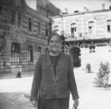 Одесса,  во внутреннем дворе дома №5 по ул. Гоголя, 1951 г.