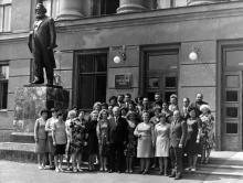 Улица Генуэзская, 22. У здания Одесской Высшей партийной школы. Первая половина 1970-х годов