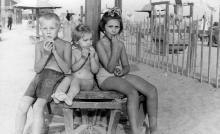Одесса. На пляже в Лузановке. 1957 г.