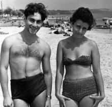 Одесса. Берта Ефимовна Гаузнер на пляже в Лузановке.1960 г.