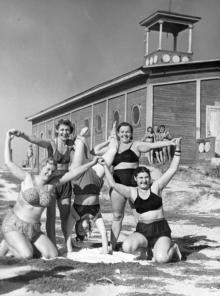 Одесса. Возле лодочной станции в Лузановке, в сторону Пересыпи. Середина 1960-х годов