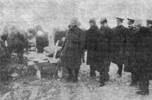 Одесса. Румынские власти осматривают работы по восстановлению дамбы на Хаджибеевском лимане. «Одесская газета», 20 февраля 1942 г.