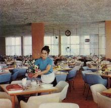 Одесса. Столовая дома отдыха «Красные зори». Фотография из справочника «Курорты Одессы», 1976 г.