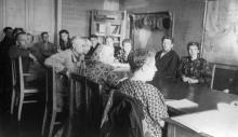 Занятия в сети политпросвещения рабочих и служащих ЗОР. Одесса. 1952 г. Феохари. (1738)
