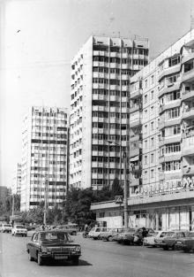 Новые дома на улице генерала Бочарова в Одессе, пос. Котовского. Сентябрь, 1987. В. Курицын (10267)