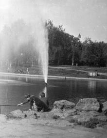 В парке им. В.И. Ленина. Одесса. 1989 г. В. Курицын (11155)