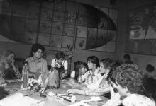 В клубе интернациональной дружбы Дворца пионеров. Одесса. 1981. Г. Каминский (13143)