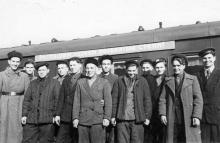 Проводы молодых целинников на Одесском железнодорожном вокзале. Левит. 1954 г. (188)