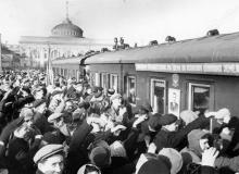 Проводы целинников. Одесса. Левит. 1954 г. (190)