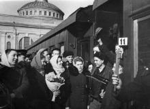 Проводы на целину. Одесса. Левит. 1954 г. (194)