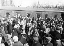 Проводы на целину. Одесса. Левит. 1954 г. (196)