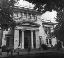 Государственная научная библиотека им. А.М. Горького. Одесса. Г. Каминский. Сентябрь 1981 г. (13432)