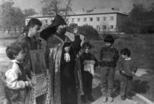 Освящение места под армянский храм. О. Владимирский. Одесса. 1993 г. (13030)