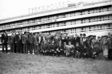 Участники республиканского совещания молодых транспортников. Одесса. Февраль 1986 г. (9155)