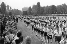 Торжественный пионерский парад в городе-герое. Одесса. И. Павленко. 28.06.72 г. (10570)