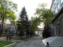 Вход в старый корпус Морского университета. Одесса. 31 октября 2013 г.