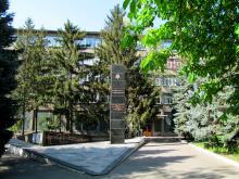Двор Морского университета. Одесса. 14 мая 2014 г.