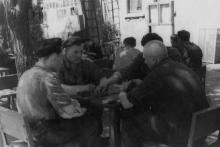 Отдых рабочих завода им. Октябрьской революции в ночном профилактории. г. Одесса, 1963 г. Негребецкий (1960)