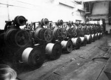 В одном из цехов канатного завода. г. Одесса, В. Теняков 1992 г. (12525)