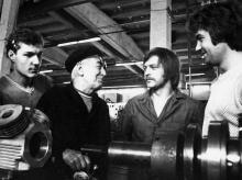Наставник А. Гинтеев со своими учениками НПО «Холодмаш». г. Одесса, май 1980 г. (6106)
