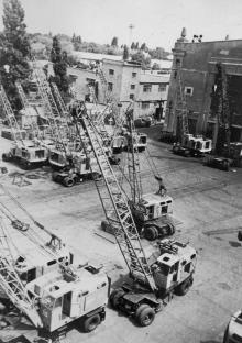 На испытательной площадке Одесского завода им. Январского восстания. г. Одесса, 1969 г. М. Рыбак (2429)