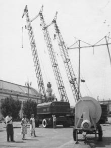 Самоходные погрузочные краны з-да им. Январского восстания. Одесса, 1962 г. Моклецов (4412)