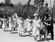 Первомайская демонстрация. 1.V.53 г. Одесса, Левит (343)