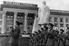 На параде. г. Одесса, 1968 г. (3670)