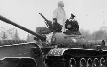 Военная техника на параде на площади им. Октябрьской революции. г. Одесса 7 ноября 1981 г. (6735)