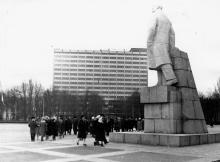 Всесоюзная неделя музыки. Возложение цветов к памятнику В.И. Ленину. г. Одесса, 1973 (10695)