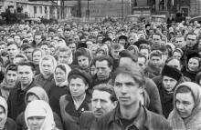 Траурный митинг по поводу смерти И.В. Сталина. Одес. завод им. Окт. революции. 8.III.53 г. (381)