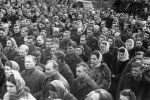 Траурный митинг по поводу смерти И.В. Сталина. З-д им. Окт. револ. 8.III.53 г. Одесса (383)