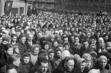 Траурный митинг по поводу смерти И.В. Сталина. З-д им. Окт. революции. 8.III.53 г. Одесса (384)
