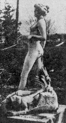 Скульптура «Диана с собаками» на территории Одесского горзелентреста. Фото из газеты «Комсомольское племя». 1961 г.