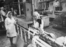 Технологическая линия по разливу сока на консервном заводе им. Ленина. Одесса, 1979 г. (5898)