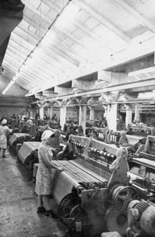 Ткацкий цех фабрики технических тканей. г. Одесса июль 1981 г. (6557)