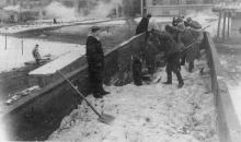 Воинские части, помогающие в строительстве завода ЗОР. Одесса, 1953 г. Феохари (1746)